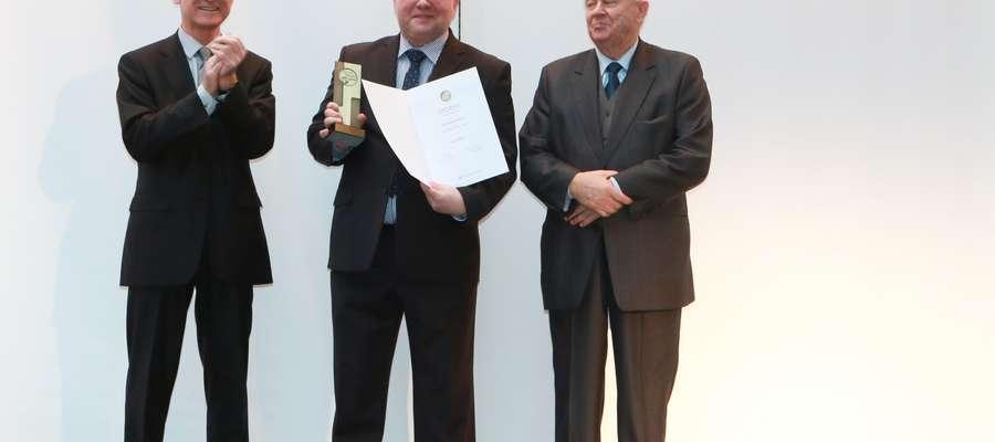 W lutym do bogatej kolekcji wyróżnień dołączył piąty złoty medal Międzynarodowych Targów Poznańskich przyznany za innowacyjny zestaw mebli KAMDUO XL