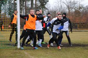 Pomimo silnego wiatru mecz Śniardw z Vęgorią Węgorzewo rozegrano