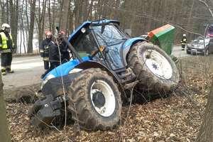 Traktor zderzył się z ciężarówką