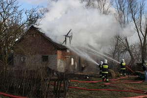Pożar budynku w Unikowie (FILM)