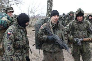 Uzbrojeni żołnierze przemaszerowali przez Bisztynek