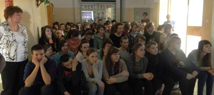 Głównym celem tego spotkania było uświadomienie zagrożeń młodym ludziom