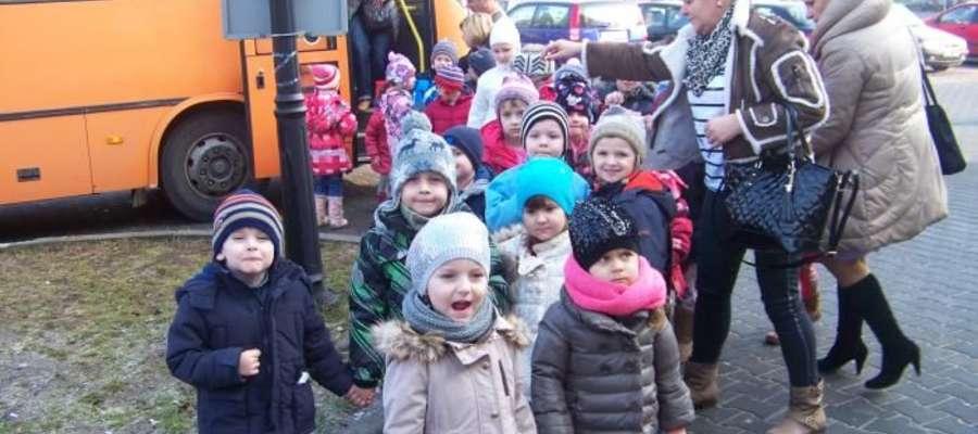 Opiekunowie zabrali dzieci do Ostrołęki w ferie, 27 lutego