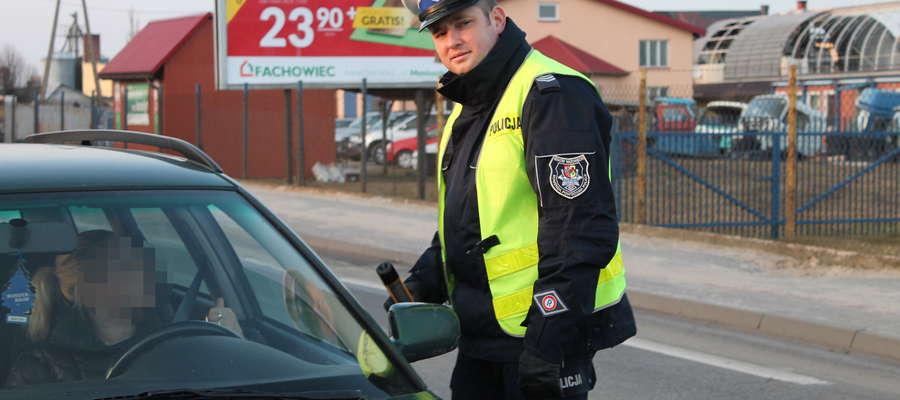 W ostatnim czasie policjanci z alkomatami regularniej pojawiają się na ul. Przasnyskiej w Makowie