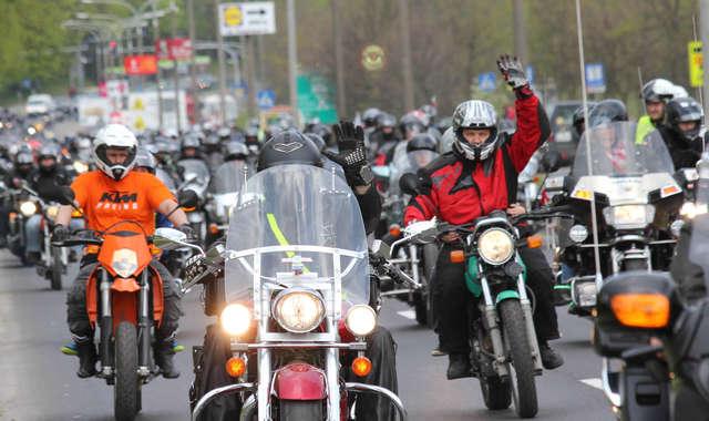 Motocykliści opanowali Olsztyn. Zobacz zdjęcia! - full image