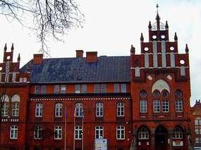 Neogotycki budynek starostwa