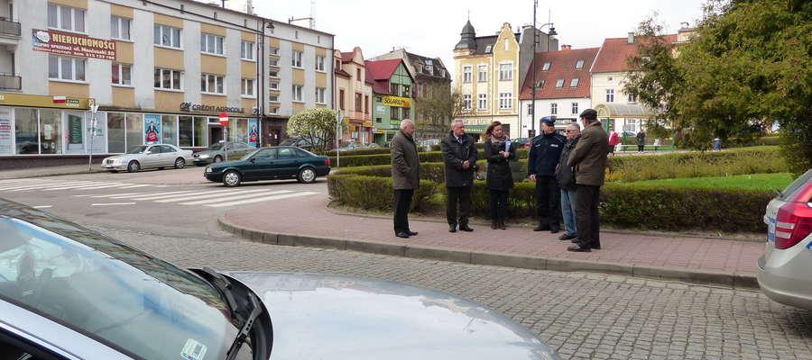 Kierowcy po raz kolejny domagają się zmiany organizacji ruchu na skrzyżowaniu ulic Plac Kajki i Ratuszowej