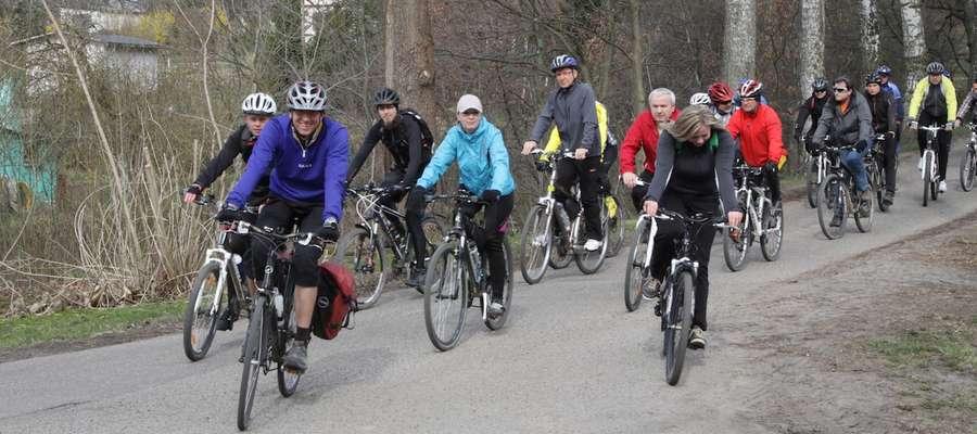 Podczas pierwszej z cyklu miejskich wycieczek, rowerzyści mieli do pokonania ponad 30 km