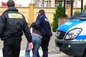 Strażak z Olecka pomógł złapać bandytę