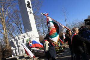Umorzono śledztwo w sprawie znieważenia pomnika generała