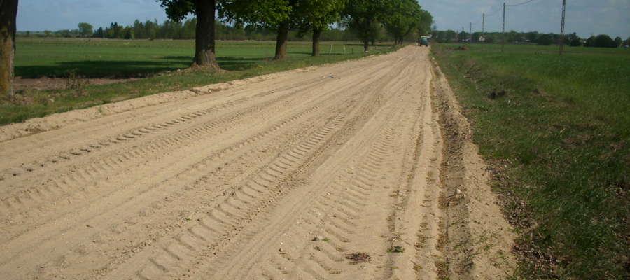 Przetarg dotyczy dróg o nawierzchniach gruntowych i żwirowych