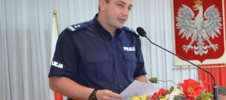 Mł. insp. Tomasz Łysiak na sesji
