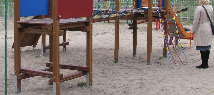 Na budowę placu zabaw szkoła dostała 30 tys. zł