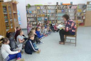 Czytali dzieciom w szkole