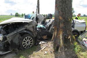 Volvo zderzyło się z vw transporterem. Cztery osoby ranne. ZOBACZ FILM