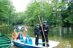 Policjanci rozpoczęli patrole na Krutyni