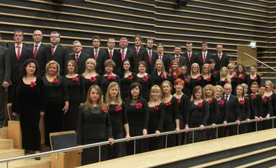 Wakacje z uśmiechem — koncert charytatywny chóru przy filharmonii