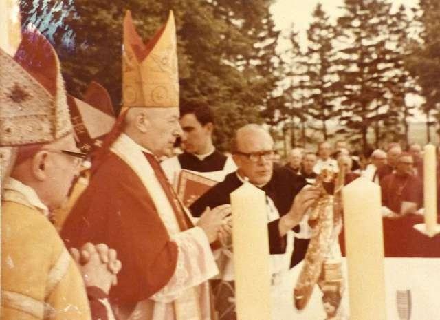 Kard. Stefan Wyszyński w trakcie uroczystości w 1969r. Zdjęcie dzięki uprzejmości ks. proboszcza Mieczysława Rozmarynowicza