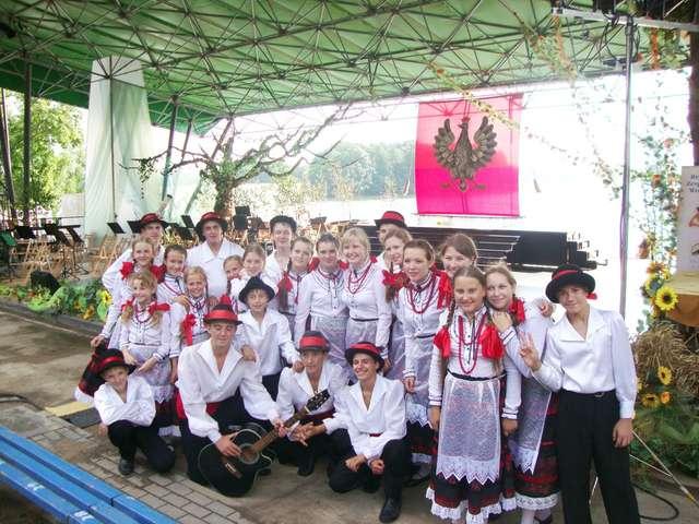 Zaśpiewają i zatańczą dla was: Podolski Kwiat - full image