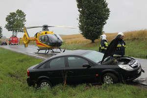 Śmigłowiec zabrał rannego. Wypadek na DK 57 (FILM)