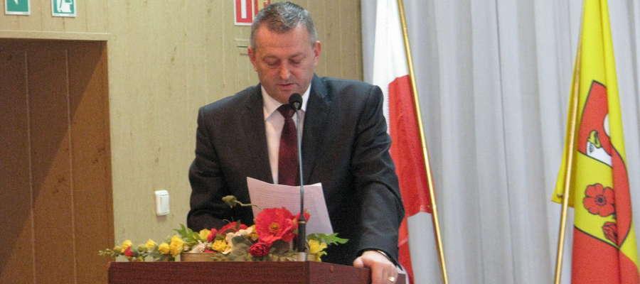 - Planowana inwestycja ma służyć przede wszystkim poprawie bezpieczeństwa - podkreśla starosta makowski Zbigniew Deptuła
