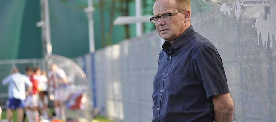 Do inauguracji ligi zostało tylko półtora tygodnia, a trener olsztynian Mirosław Jabłoński nadal ma nad czym myśleć.