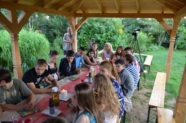 Niebieskie Chabry podczas wizyty w Ogrodach Pokazowych w Marcinkowie - full image