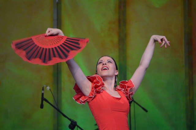 Gypsy Carnaval Muzyki i Tańca Romów - full image