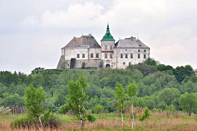 Zamek w Olesku. To tutaj urodził się Jan III Sobieski - full image