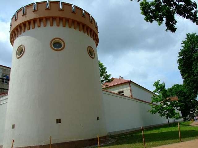 Taurogi: naga pierś Oleńki - full image