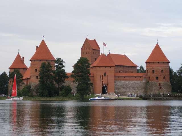 Zamek w Trokach - full image