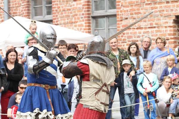 Finał turnieju walk rycerskich na Rynku Starego Miasta
