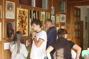 Wystawa prac plastycznych rodziny Figurowiczów