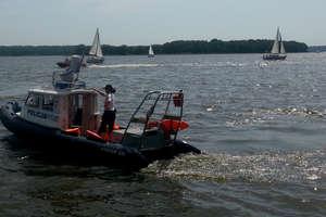 Okradali zacumowane łodzie. Wartość skradzionych rzeczy oszacowana została na blisko 500 tys. zł