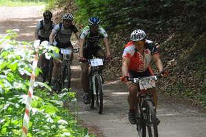 Rowerowe górskie ściganie w Bażantarni