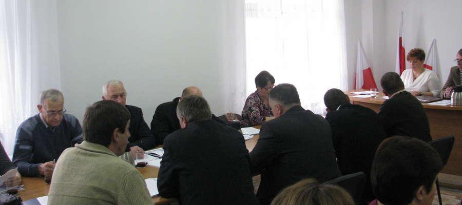 Radni musieli się zebrać, by dokonać formalnej zmiany w planie odnowy wsi Rzewnie
