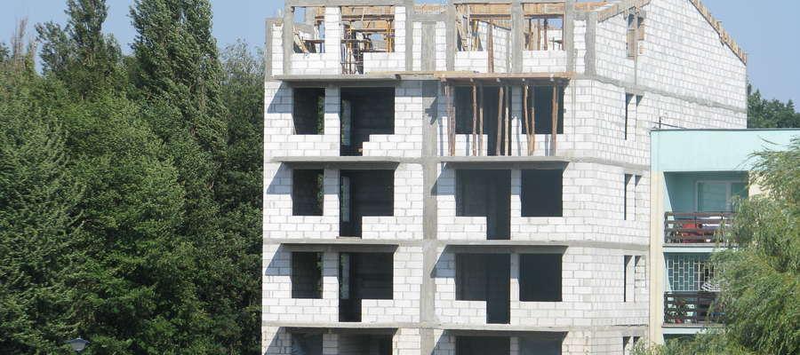 Zdaniem naszego czytelnika, w Makowie powinny powstać mieszkania dla młodych ludzi