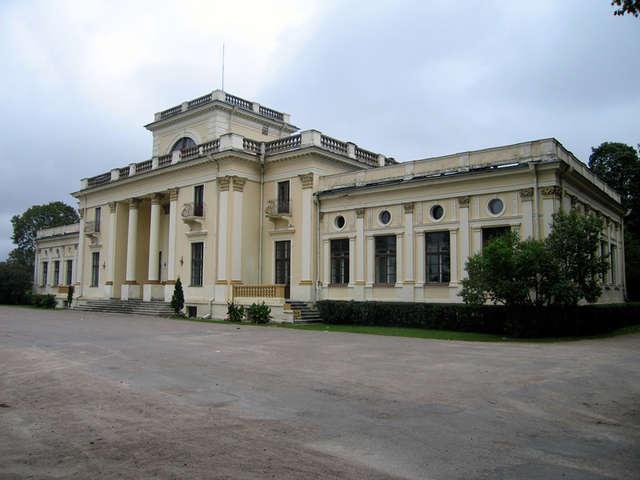 Pałac Tyszkiewiczów w Mace Trockiej otwarty dla zwiedzających - full image