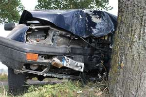 Wyprzedzał a sam był już wyprzedzany. Trzy samochody brały udział w wypadku