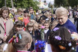 Prezydent Litwy do polskich dzieci mówiła po polsku