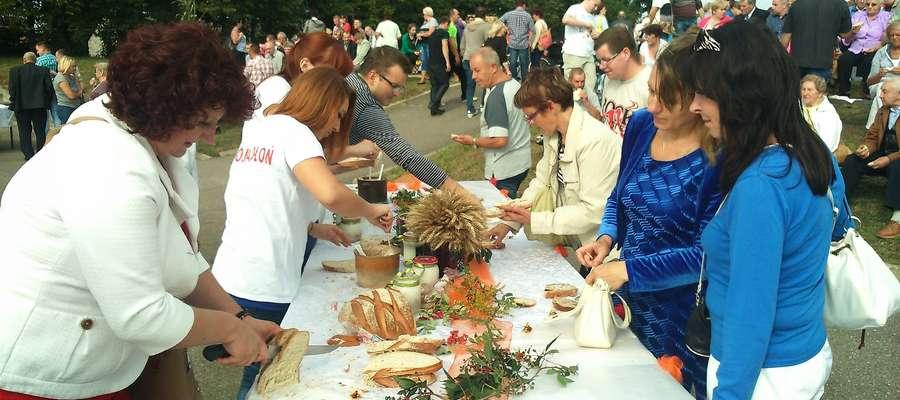 Pierwsze uroczystości dożynkowe w powiecie mrągowskim odbyły się w tym roku w Pieckach.