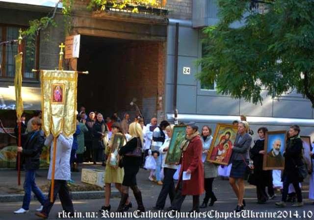 Dniepropietrowsk: odremontowany kościół znowu służy wiernym - full image