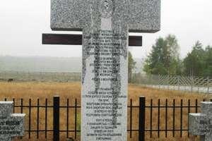 Ukraińska salwa honorowa dla polskich żołnierzy