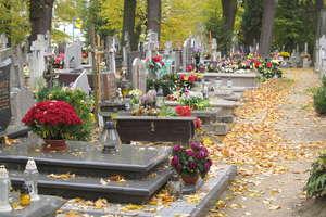 Pogrzebów więcej niż narodzin