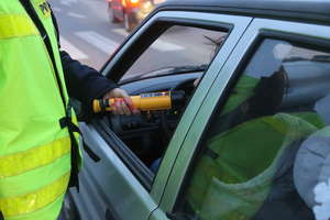 Pijany i bez uprawnień za kierownicą. Zareagował obywatel
