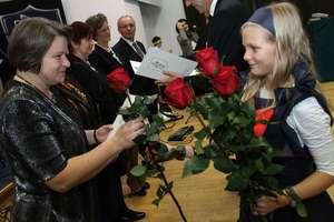 Ile zarabiają nauczyciele w Polsce? Sprawdź raport