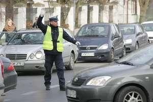 Patrole policyjne wyruszają na drogi