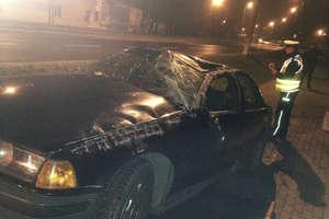 Pijany 18- latek dachował bmw na chodniku. Prawo jazdy miał od pięciu miesięcy