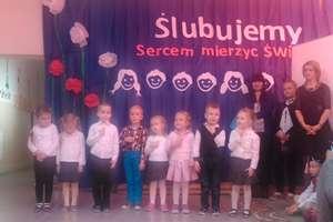 Ślubowanie pierwszoklasistów w SP w Piotrowcu