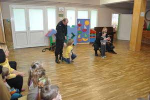 Nietypowi goście odwiedzili przedszkolaków z Fromborka